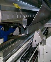Виконуємо роботи з гнуття листового металу Выполняем работы по гибке л