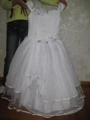 Продается біле платтячко для дівчинки